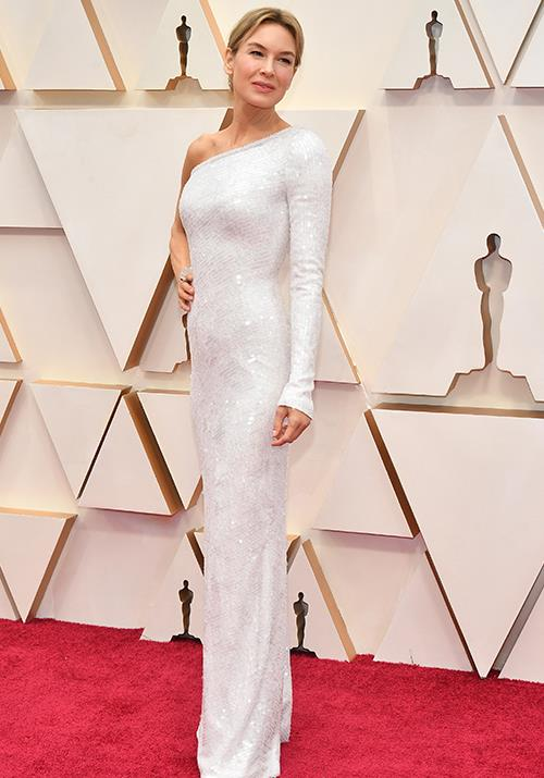 She's saved the best for last! Renée Zellweger has wholeheartedly left us spellbound in this chic one shoulder design.