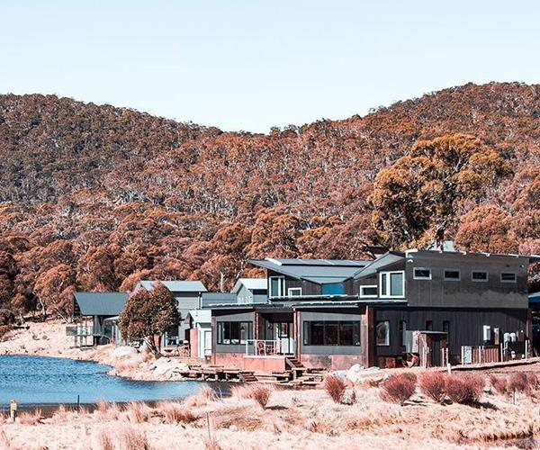 Nestled away in the Snowy Mountains, Mikey and Natasha spent their honeymoon at Lake Crackenback Resort & Spa in Thredbo.