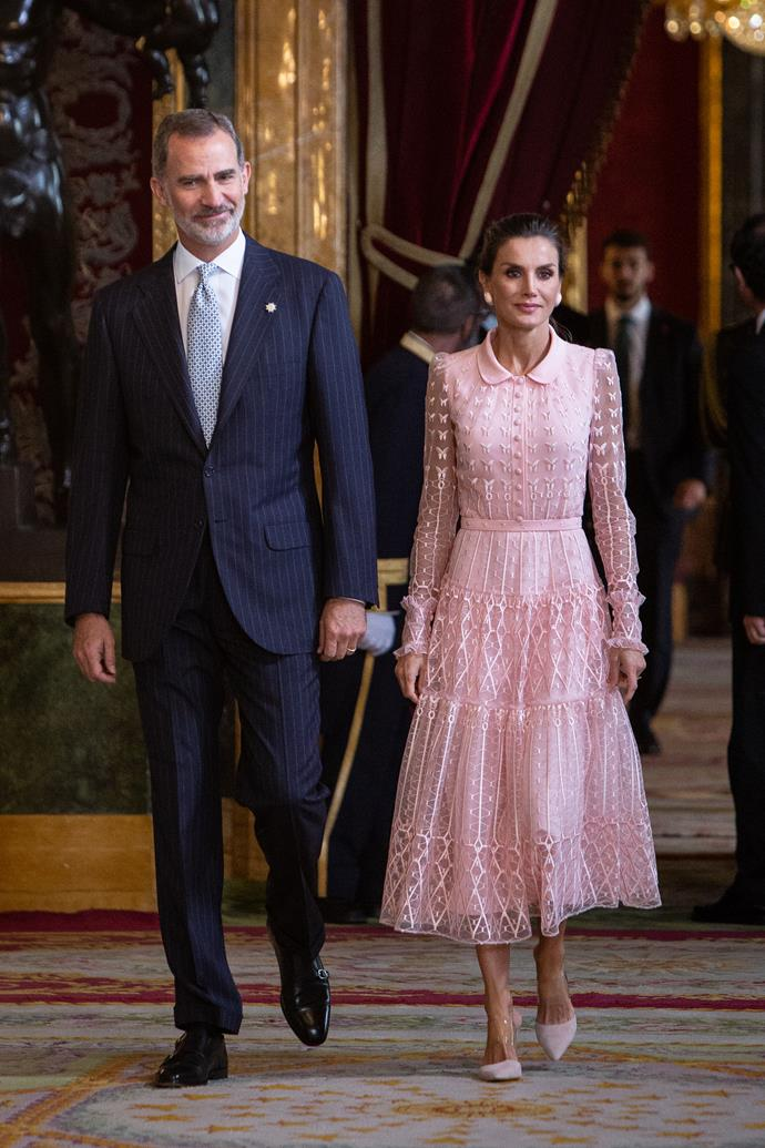 Queen Letizia of Spain has stunned fans with her outfit choice in new official portraits.