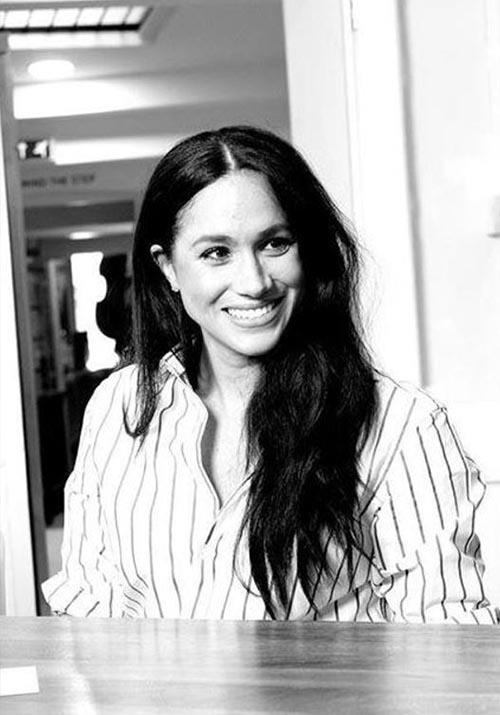 "Later that year, Meghan [paid a visit to the Luminary Bakery](https://www.nowtolove.com.au/fashion/fashion-news/meghan-markle-shirt-jeans-60126|target=""_blank""), a social enterprise supporting those in need and helping the vulnerable up-skill in the kitchen. A gorgeous video from the day appeared on Instagram (which you can watch below), and we couldn't help but revel over yet another stripy shirt win from the new mum."