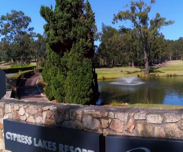 Oaks Cypress Lakes Resort is located in Central Pokolbin.