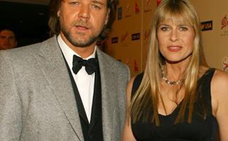 The telling clue that hints Russell Crowe has moved in with Terri Irwin at Australia Zoo