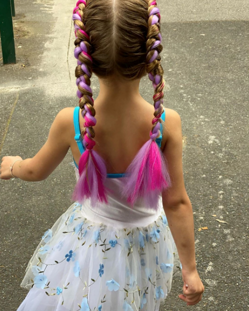 And check out those braids!