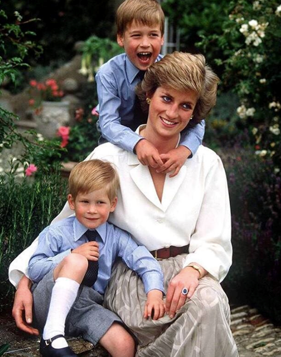 Princess Diana, Prince William and Prince Harry featured in another snap shared by the Palace.