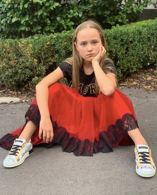 The young up-and-comer looks to be quite the character - perhaps she's headed for the sunny shores of Summer Bay on Aussie soap *Home and Away* one day, just like her mum?