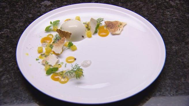 For his audition, Reynold served up a sumptuous coconut panna cotta.