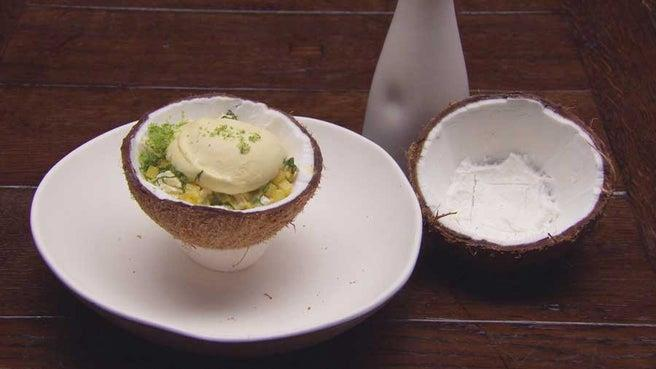 The passionfruit sphere with coconut granita and pineapple dish had our mouths watering and scored a perfect 30/30 from the judges.