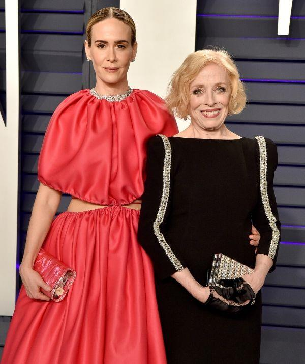 """**SARAH PAULSON, 46, & HOLLAND TAYLOR, 78: 32 YEARS** <br><br> """"I'm with a much older person and people find that totally fascinating and odd,"""" Sarah says. """"To me, it's the least interesting thing about me."""""""