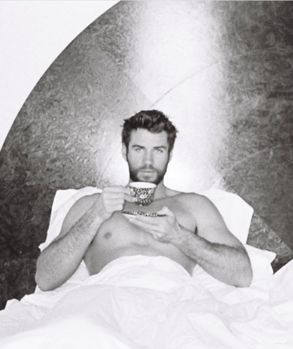 """**Liam Hemsworth** <br><br> The Hemsworth heartthrob wished his followers a happy Eater before telling them to """"Stay safe. Stay in bed.""""   Yes sir."""