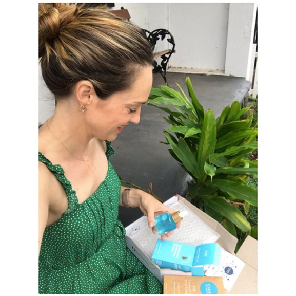 Penny can't stop delivering the goods where we're concerned. This gorgeous green spotty dress looks comfy *and* stylish. Check out our favourite dupe below.  <br><br> Oh, and while we're at it, check out Penny McNamee show off her hidden talent in isolation in the video below...