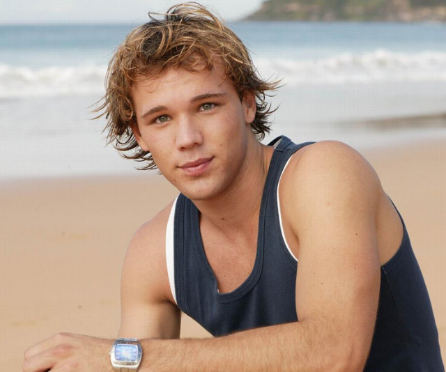 Lincoln played Geoff on *Home and Away* from 2007 to 2010.