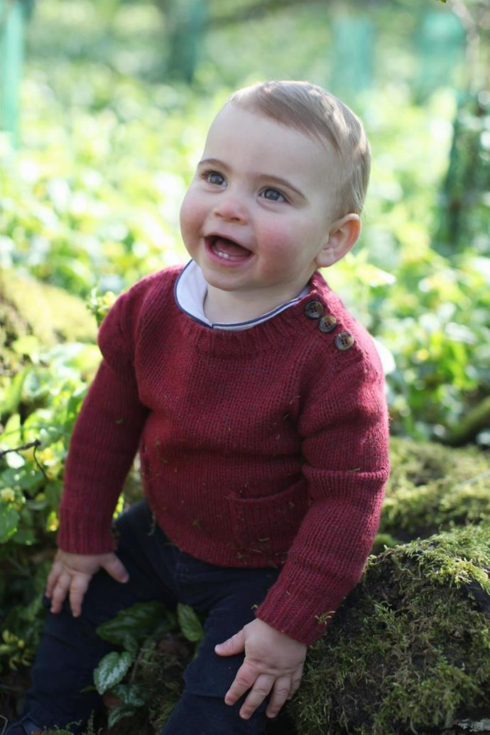 Ahh, that's better! Last year, Louis' jumper had a dusting of grass and moss from the garden.