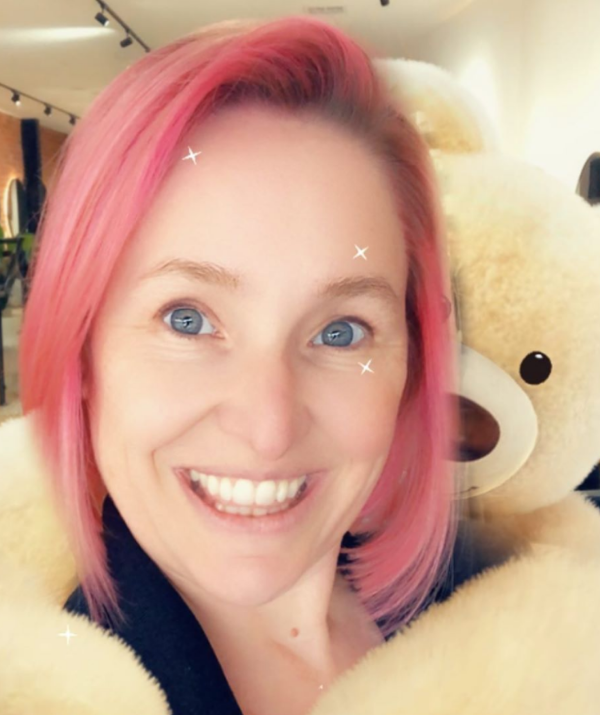 **NOW** <br><br> TV and radio presenter Fifi Box surprised her two daughters by revealing her new pink tresses, capturing their hilarious reactions in a must-see video.