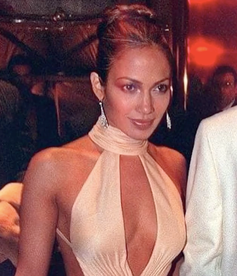 Jennifer Lopez took fans on a stroll down memory lane,sharing a series of her best moments at the Gala on Instagram. Anyone remember this look?