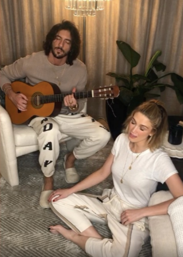 In this candid video, Delta lay barefoot on the ground in her comfy clothes, while Matthew played guitar and they both sang together.