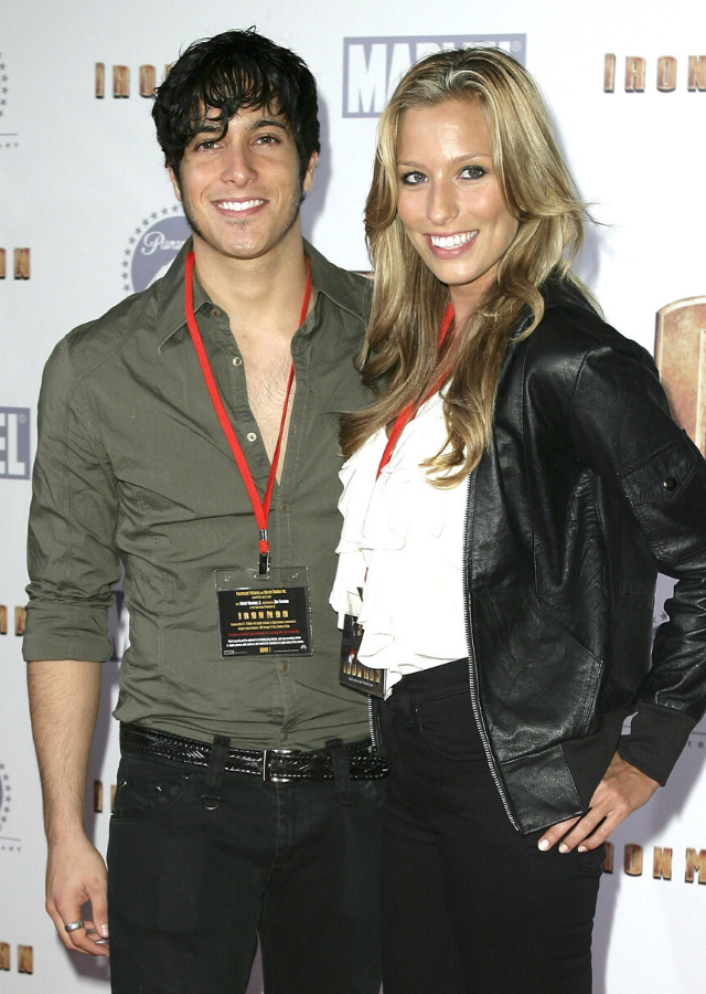 Renee and Shannon walking the red carpet at a film premiere in Sydney in 2008.