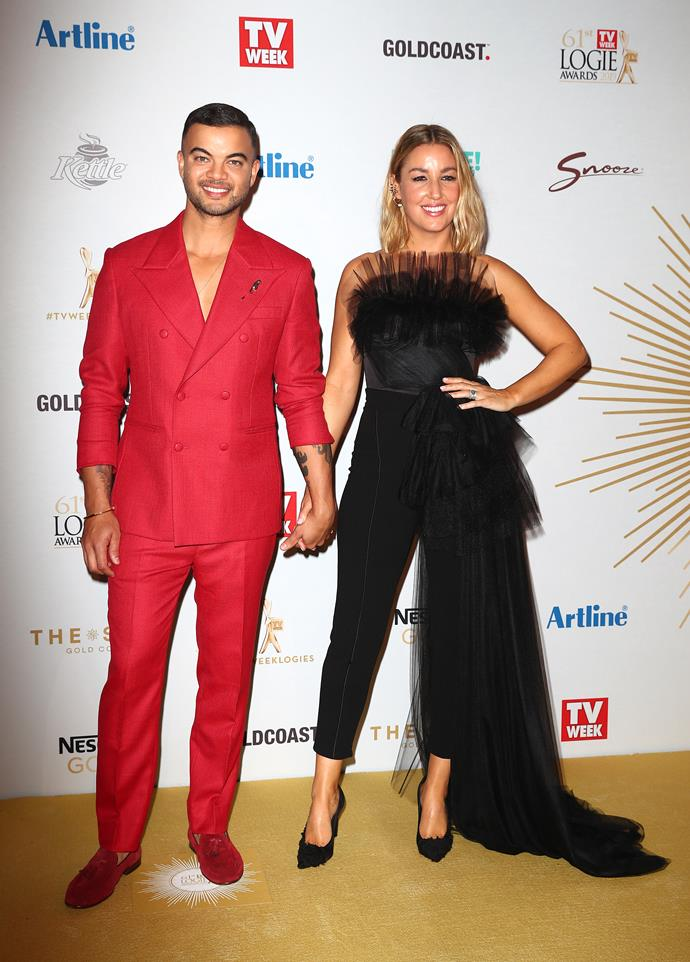 They both wear the pants! Couple dressing again at the 2019 Logie Awards. Oh how far they've come!