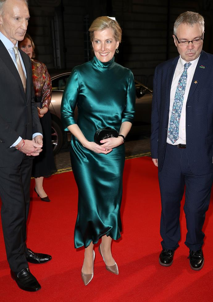 A style icon for the ages, Sophie looked stunning as she attended a film premiere in Mayfair in early 2020. This green silk dress is what dreams are made of.