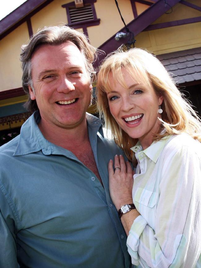 Erik Thomson and Rebecca Gibney as Dave and Julie Rafter on the original Channel Seven series, which wrapped in 2013.