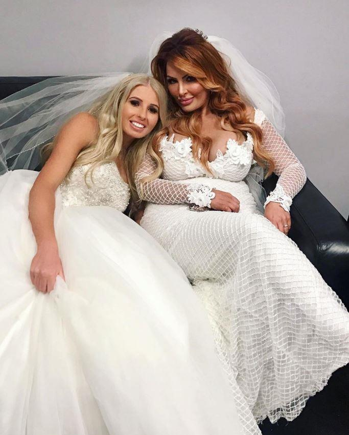 Ashley and Sarah Roza were Martha's favourite brides from season five.