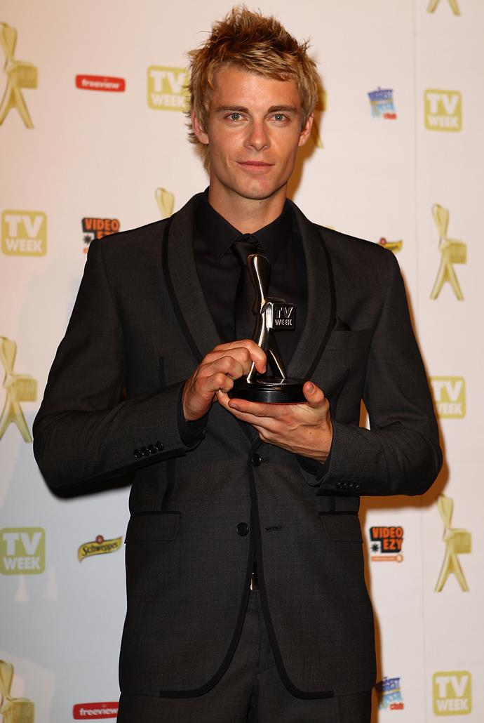 Luke pictured with his Most Popular New Talent Logie Award.