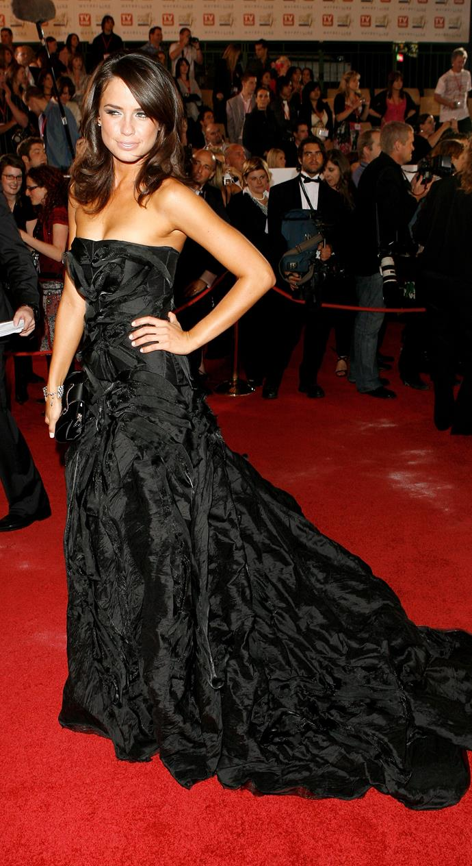 Jodi Gordon is ever the sophisticated muse - her dark, trained 2007 dress is case in point.