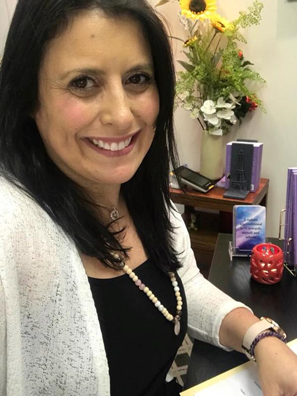 Suzy Teixeira practises weight-loss hypnotherapy, among other forms, in Melbourne.