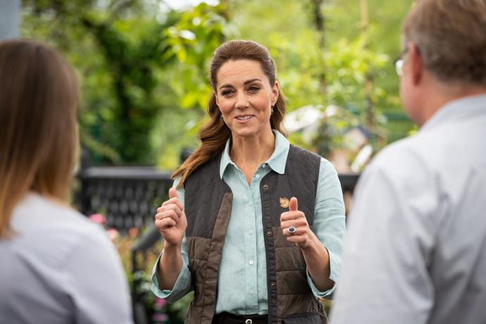 The Duchess surprised shoppers by joining them in picking up her own supplies from the store.