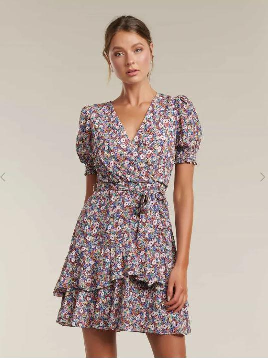 """With autumnal hues, this Forever New dress is perfect for those in-between weather days. $99.95, [buy it online here](https://www.forevernew.com.au/kayley-puff-sleeve-skater-dress-262015