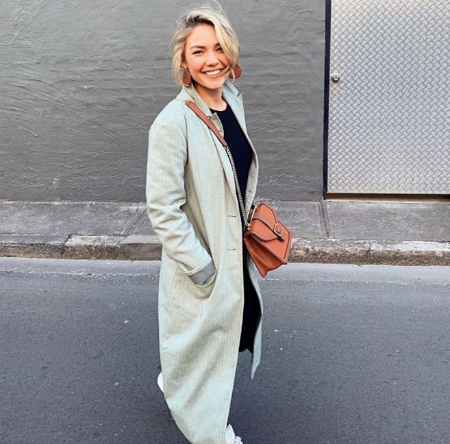 When the weather gets cooler, Sam gets chicer - loving this longline coat.