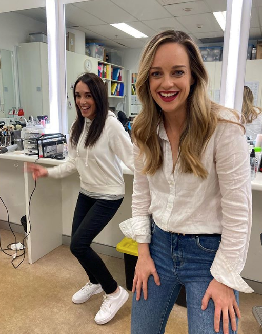 Penny McNamee's jeans and a white shirt get-up is an eternal prime-time go-to.