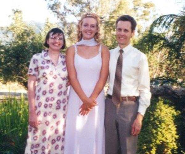 Standing with my proud parents before my mum 