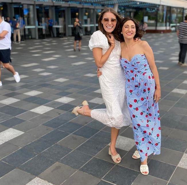 Alongside bestie Bec Harding, Zoe was a gingham-floral dream as she attended the 2020 Australian Open.