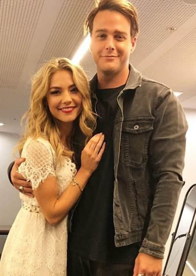 "Now rumours are swirling that Sam and her [*Home And Away* co-star Tim Franklin](https://www.nowtolove.com.au/celebrity/home-and-away/home-and-away-sam-frost-tim-franklin-dating-64712|target=""_blank""), who plays popular policeman Colby on the hit soap, have turned their on-screen romance into real life love."