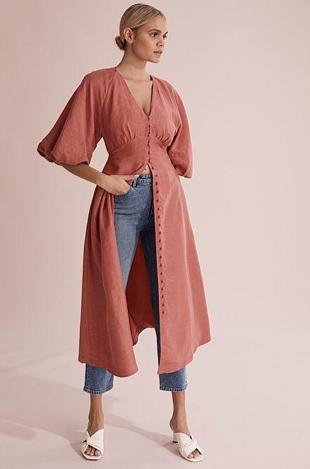 """This gorgeous [Country Road full sleeve dress](https://www.countryroad.com.au/woman-clothing-new-in/60257149-9991/Full-Sleeve-Dress.html