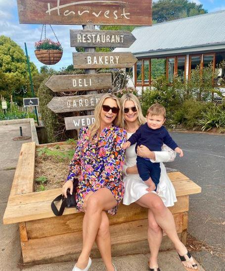 Another day, another great dress for Anna, who had a grand outing with her toddler nephew and sister Andrea in a gorgeous floral flowy mini dress during a trip to Byron Bay.
