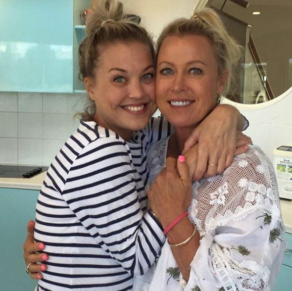 "Lisa shared [a beautiful tribute](https://www.nowtolove.com.au/parenting/celebrity-families/lisa-curry-tribute-jaimi-kenny-65256|target=""_blank"") for her daughter in the hours following the announcement she had passed away. ""Jaimi will forever be remembered as a caring, bright and loving soul who always put others before herself. Her love of flowers, cooking, art, decorating, photography, babies, the beach, and helping others will always be remembered,"" she wrote."
