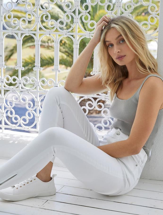 """Step into spring in these bright white Forever New fitted jeans. $89.99, **[Buy them online here](https://www.forevernew.com.au/amelia-mid-rise-crop-jean-264728?colour=florence-white
