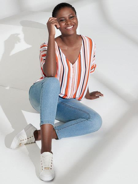 """Skinny jeans + ankle grazers go together like peas and carrots, which is why we're obsessed with these uber cheap Best & Less denims. $20, **[buy them online here](https://www.bestandless.com.au/Categories/Women%27s-Clothing/Women%27s-Jeans-and-Jeggings/Womens-Skinny-Jean-Ankle-Grazer/WRS20B321_1038428_LIGHT_BLUE_LIGHT_DENIM_PLAIN