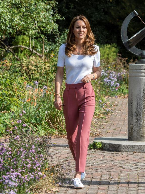 Kate's glorious Marks & Spencer trousers looked oh-so-chic on the royal during a recent outing.