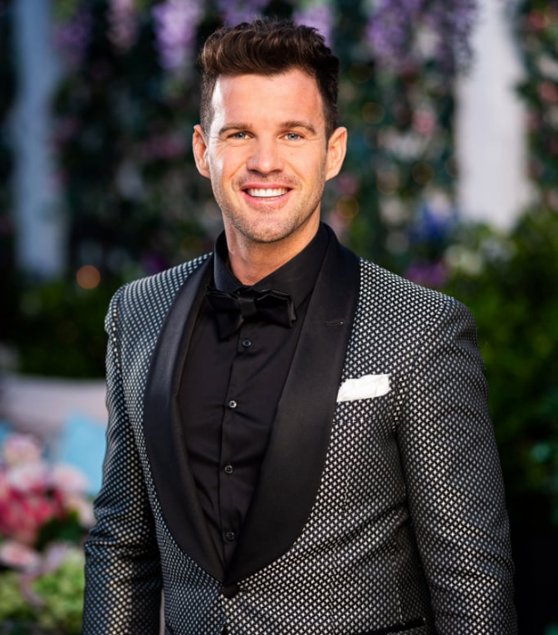 """**Harry, 35, SA** <br><br> Single dad Harry says he's on the show to find the love of his life and adds that love is """"the most amazing thing."""" <br><br> When not on site, the builder likes to unwind by sitting around a campfire at his family's farm with a good bottle of wine. <br><br> Judging by Becky's reaction when they met on the red carpet, it's likely Sam will receive a rose straight-up. He admitted he made her """"feel comfortable"""" and got her a little hot under the collar."""