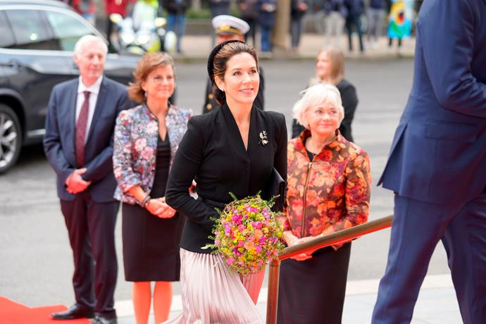 Princess Mary had a chic Jackie Kennedy moment as she arrived at the opening of the Danish Parliament.