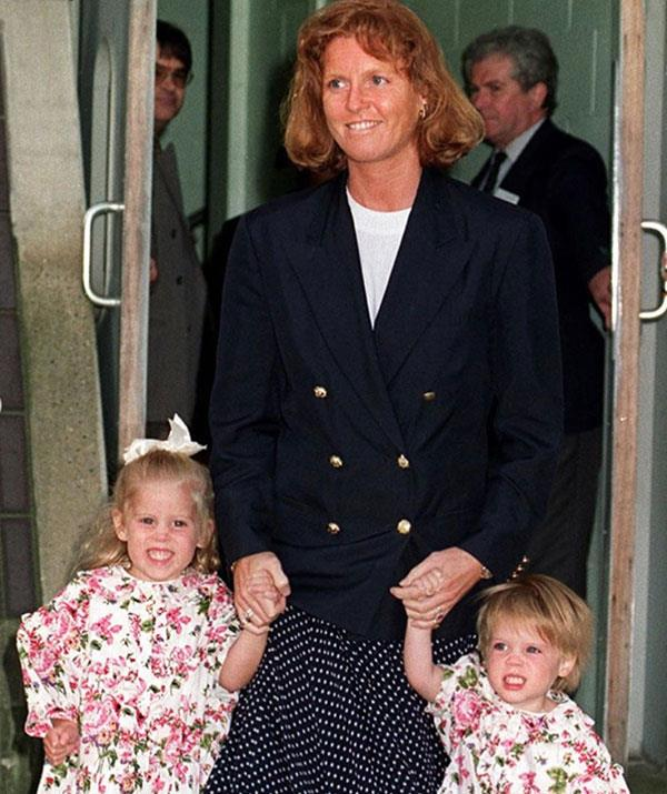 Eugenie shared this throwback of her mother with her little girls from 1992.