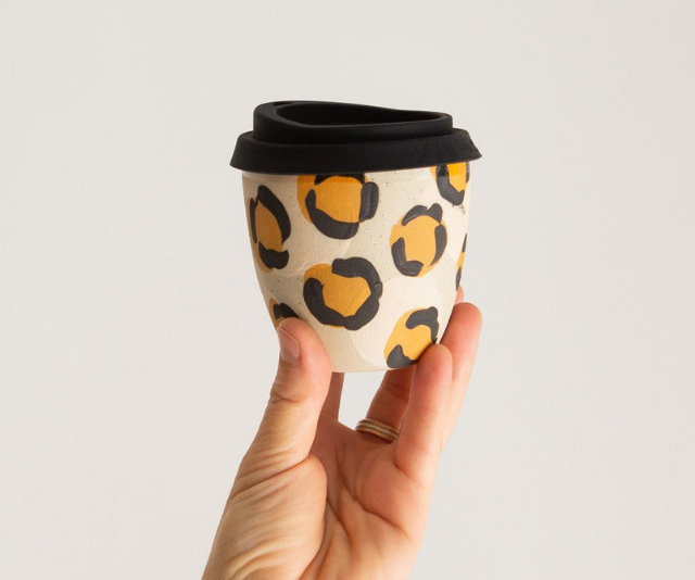 "**KIM WALLACE CERAMICS** <br><br>  Whether your coffee-loving friend is yet to get on board the reusable cup train or your eco-conscious co-worker is always misplacing their mug, a ceramic takeaway cup this cute will ensure they're always prepared. <br><br>  Kim Wallace Ceramics makes the most stunning reusable cups, which you can [shop here.](https://go.skimresources.com?id=105419X1569321&xs=1&url=https%3A%2F%2Fkwceramics.com.au%2F|target=""_blank""