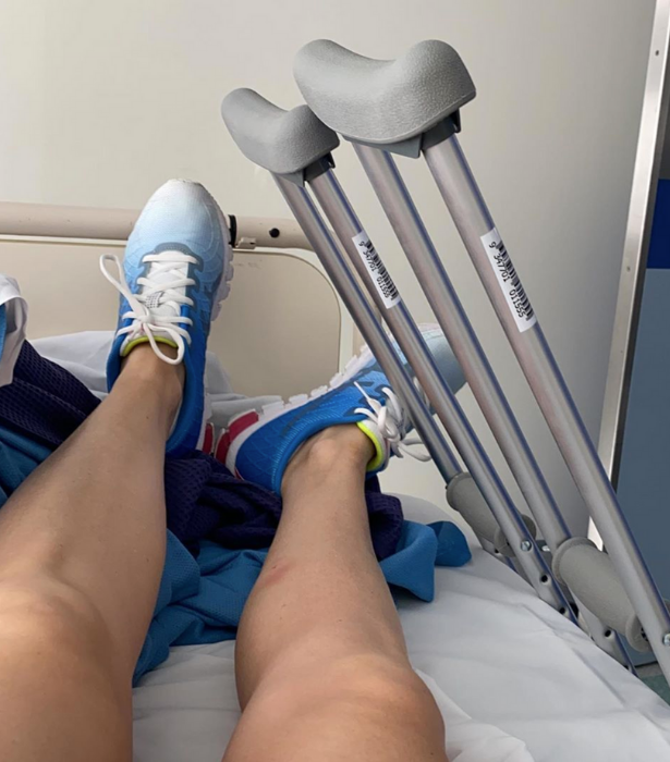 The star shared multiple photos from hospital, explaining she injured her pelvis and hip six weeks before going on *SAS*.