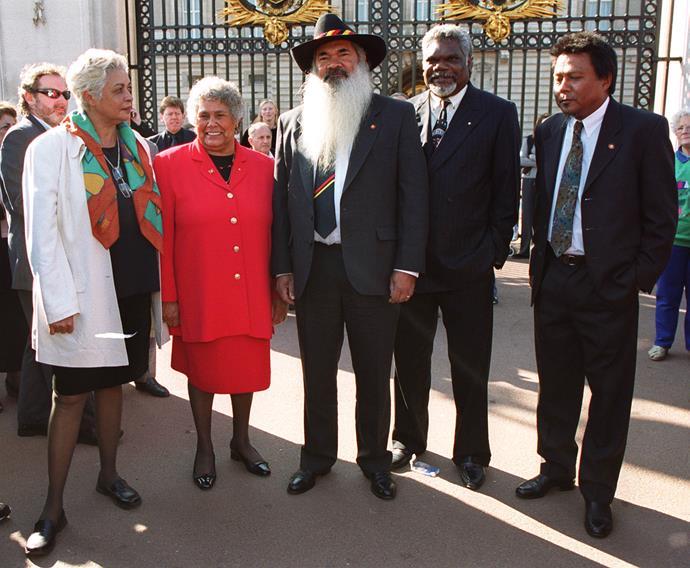 Outside Buckingham Palace, Aboriginal leaders Professor Marcia Langton, Dr Lowitja O'Donoghue, Patrick Dodson, Gatjil Djerrukura and Peter Yu.