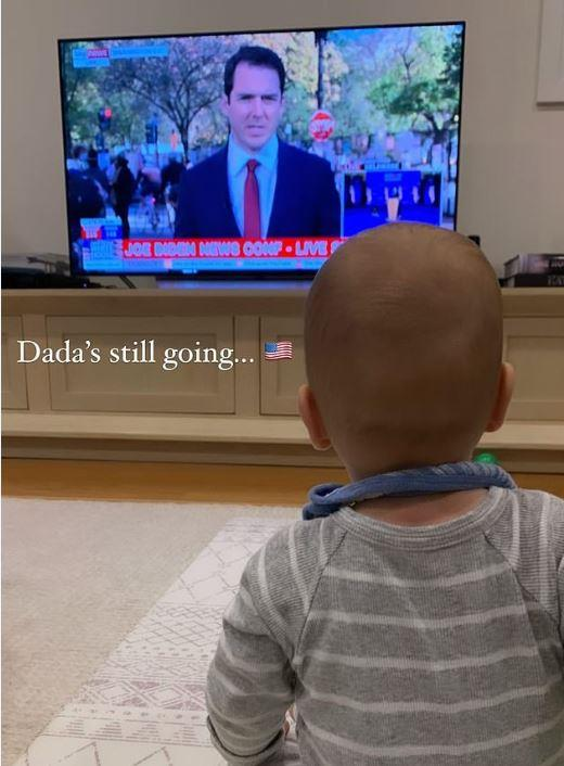 Little Oscar watches his dad hard at work