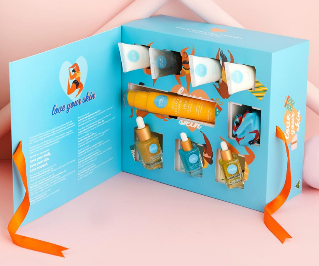 """**Esmi**<br><br> Nothing will make you feel as good as Esmi's body positive themed advent calendar with a handpicked selection of products that will have your skin feeling hydrated and nourished.  <br><br> Esmi Advent Calendar, $250, shop it [here](https://www.esmi.com.au/advent-calendar