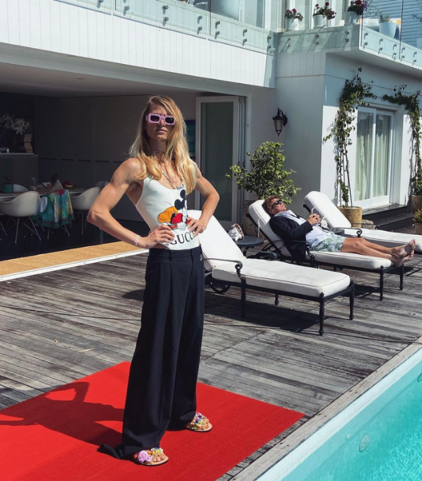 **Christian Wilkins** <br><br>  Casual chic at its finest. We just love Richard working on his pre-red carpet tan in the background.