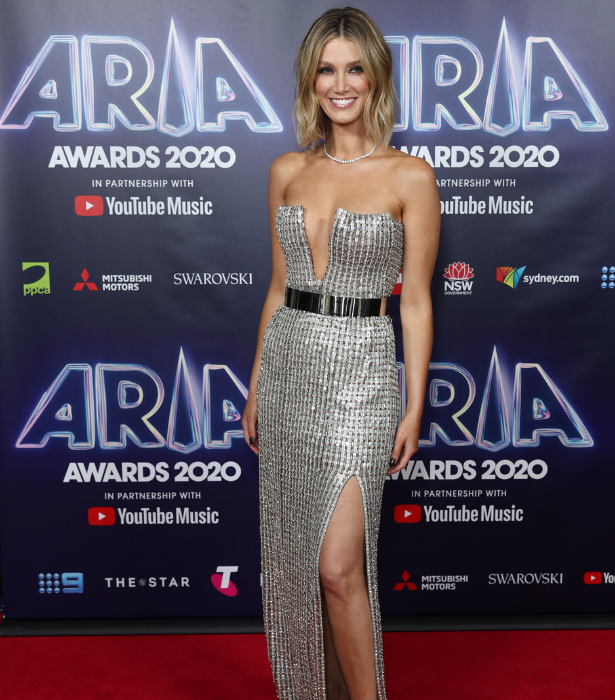 **Delta Goodrem**<br><br>  We couldn't not include a close up of Delta's stunning gown.